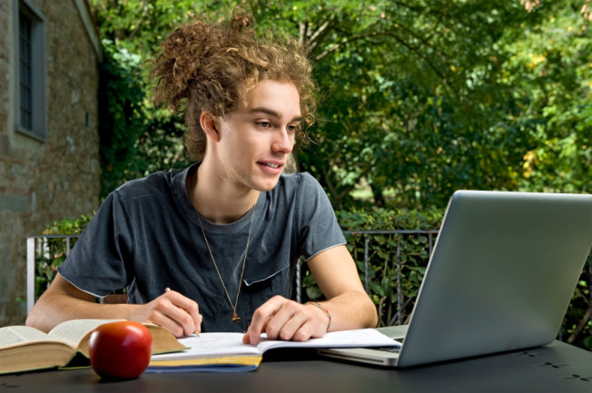 The Complete Support To Write An Essay Fast Yet Professionally