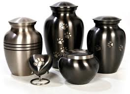 Urns And Keepsakes For A Friend's Final Farewell