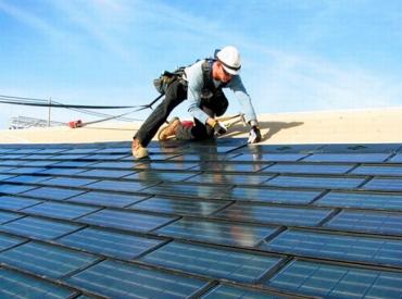 China sets world record on solar power installations