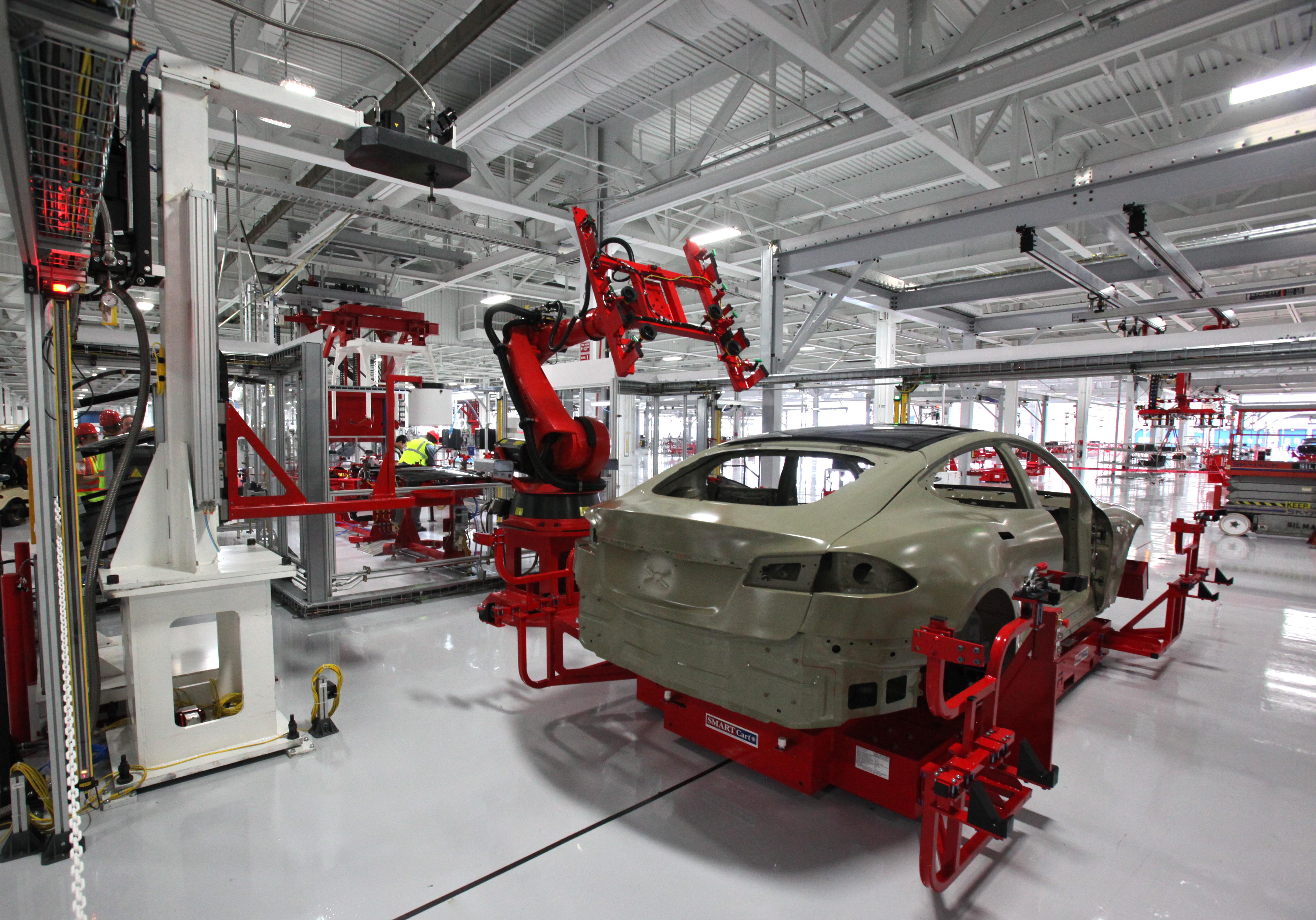 Panasonic, Tesla Motors consider joint car battery plant in US