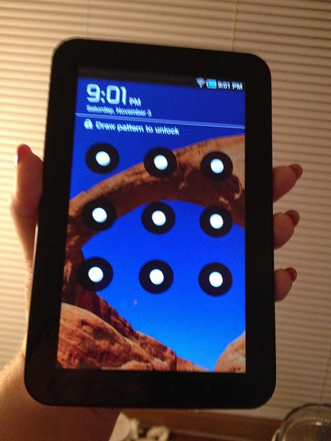 Samsung Galaxy S6 And S6 Edge Hints Towards Samsung Galaxy S7
