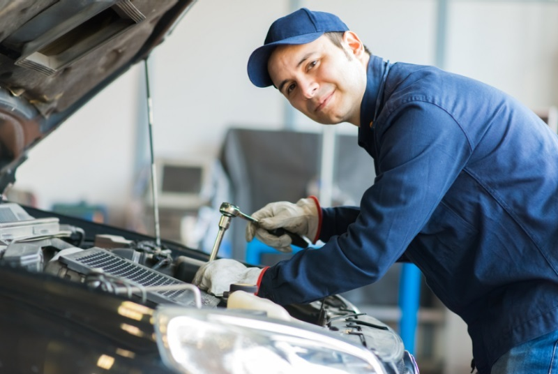 Mechanic, The Only Person To Know In And Out About Your Vehicle and Its Behavior
