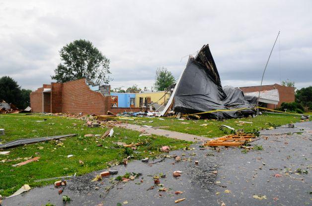 Horrible Tornado Over A School In Pennsylvania
