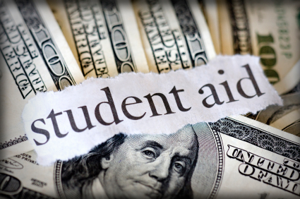 How Students Should Look for Scholarship and Financial Aids
