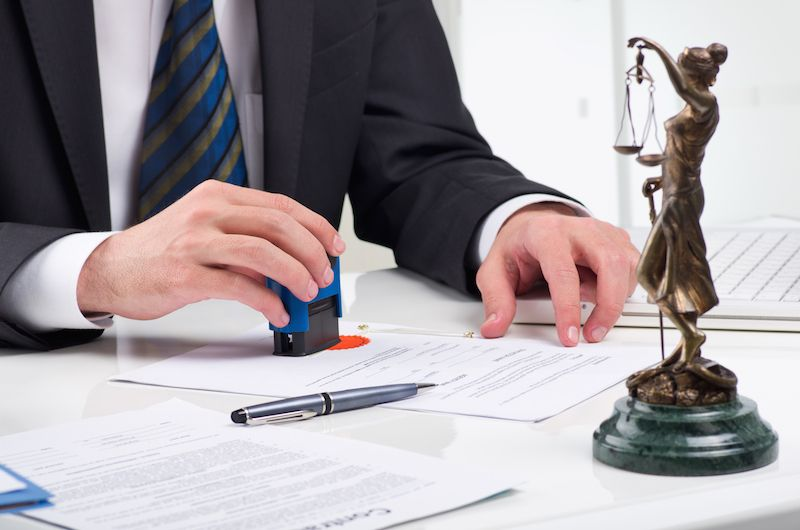 How Can An Estate Lawyer Help You?