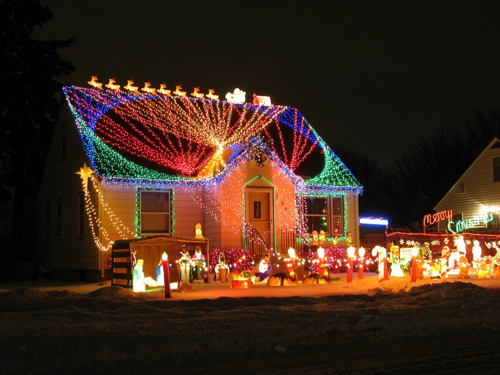 Putting Christmas Lights and Decorations on Your Roof