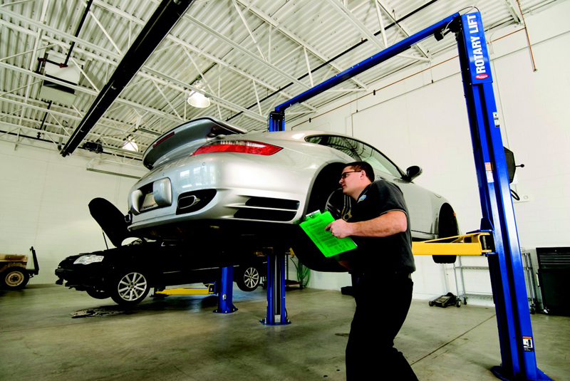 How Auto Body Repairs Help You Save