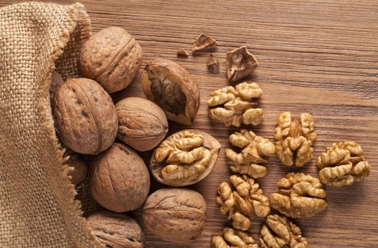 6 Weight Loss Friendly Nuts You Should Know