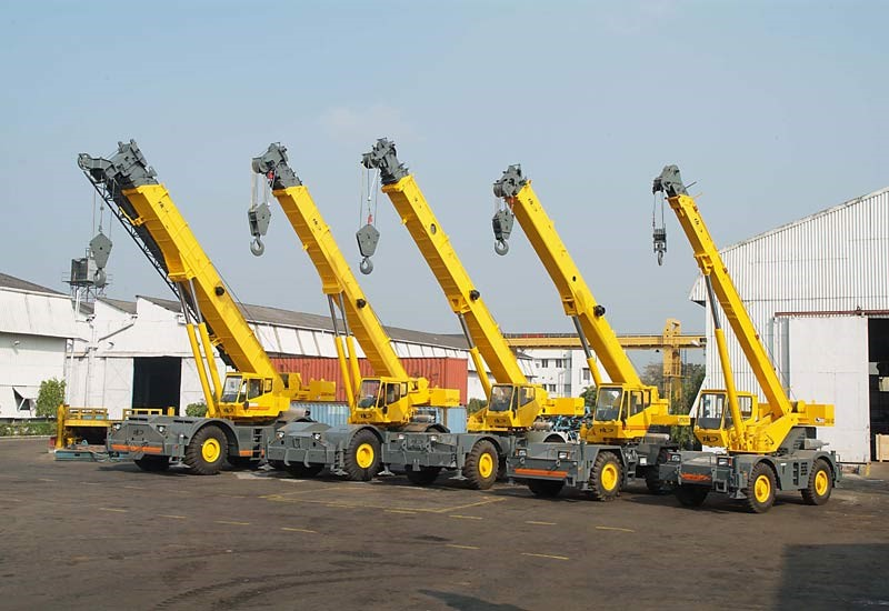 Benefits Of Using Crane Services