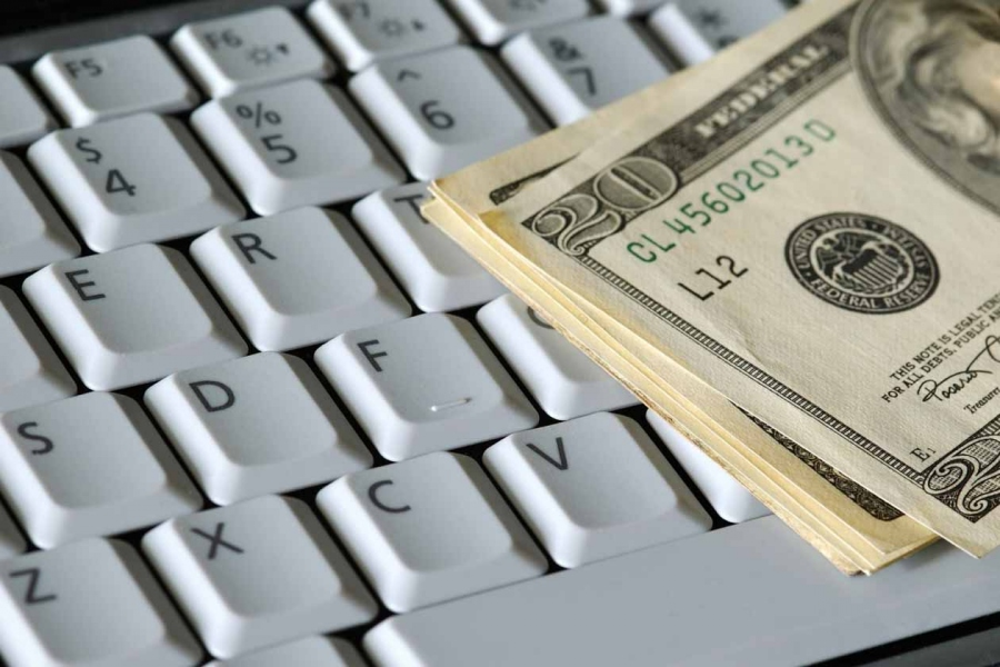 The Pros And Cons Of Handling Money Online
