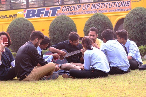 Why You Should Choose The Best College In Dehradun For Pursuing Higher Education